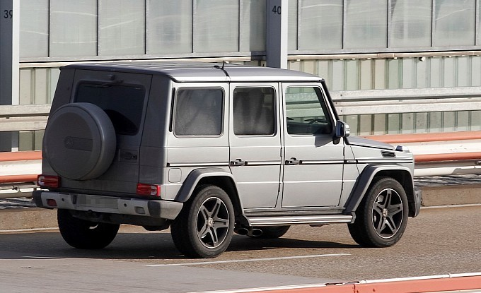spyshots-mercedes-benz-g65-amg-closer-to-release-medium_5.jpg